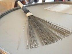 Brushes auf der Snare