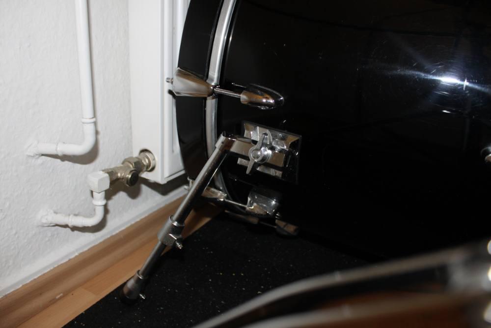 Bass Drum aufstellen